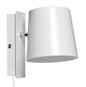Metallinen seinävalaisin jonka väri on valkoinen. Seinälamppu on myös sisäpuolelta valkoinen.