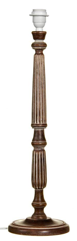 Puinen lampunjalka jonka väri on vaaleanruskea.