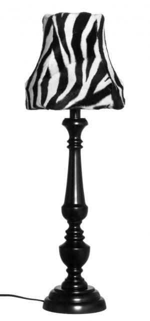 Musta puinen lampunjalka, jossa on koristeellinen runko ja pyöreä pohja. Varjostimessa on seepra kuvio.