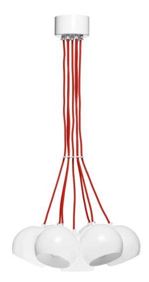 Valkoinen ryhmävalaisin, jonka kupujen sisäosat ovat valkoiset. Valaisimen kangaspäällysteiset johdot ovat punaiset. Kattokuppi on valkoinen.