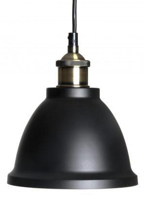 Metallinen, riippuva kattovalaisin. Valaisin on väriltään musta, myös sisäpuoli on musta. Lampunkanta on antiikki messingin värinen.