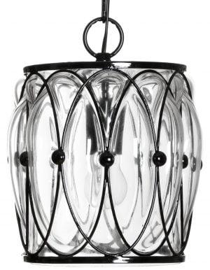 Riippuvalaisin, jossa on musta kehikko jonka sisällä on kirkas lasi. Valaisimessa on yksi kanta, jossa on kiinni vakiolamppu. Kuva on otettu edestä päin.