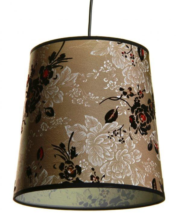 Riippuva, monivärinen kattovalaisin jossa on kukka kuvio. Valaisimen materiaalina on laminoitu kangas.