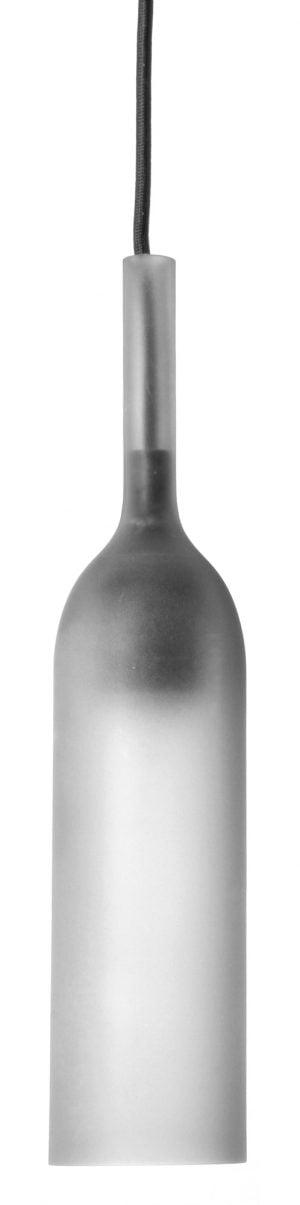 Pullon muotoinen riippuvalaisin, jonka kupu on etsattua lasia. Valaisimessa on musta, kangaspäällysteinen johto ja saman värinen sähköosa, joka kuultaa lasin läpi.