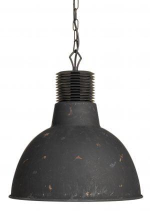 Metallinen, teollisuustyylinen riippuva kattovalaisin. Valaisin on väriltään pääasiassa musta .