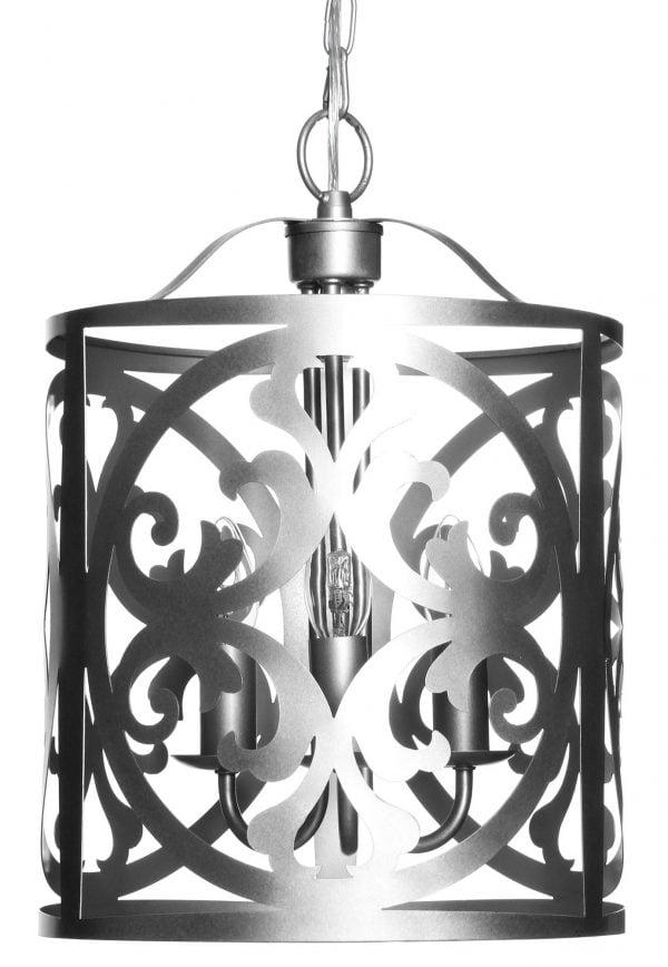 Hopean värinen, metallinen riippuva kattovalaisin. Rungossa on leikattu ornamenttikuviointi. Kattokruunu sisältää kolme kantaa.