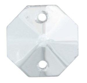 Kirkas, kahdeksankulmainen kristalli, jossa on fasettihionta. Ylä- ja alareunoissa on reiät.