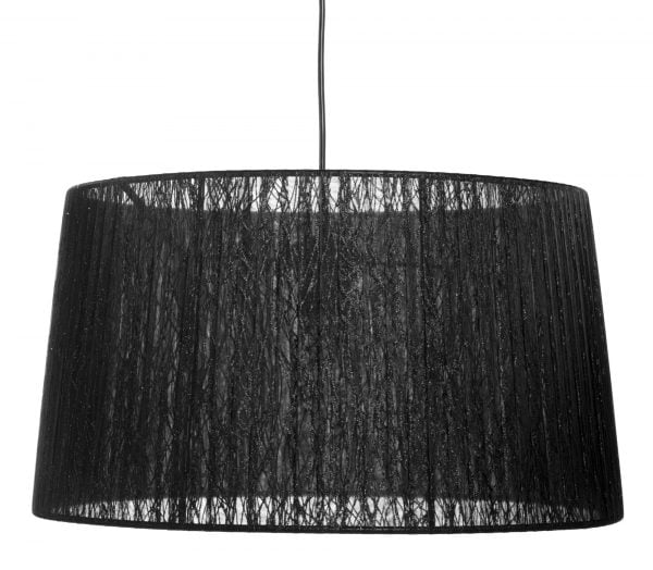 Mustan johdon päässä riippuu mustalla, kimaltavalla organzanauhalla kiedottu lampunvarjostin. Varjostin levenee ylhäältä alaspäin.