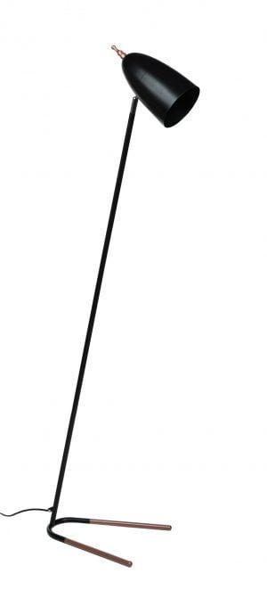 Metallinen lattiavalaisin. Jalkalamppu on väriltään musta ja ruusukulta.